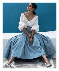 Stylish Women's Clothing - Available in Petite + Plus Vogue, Estilo Fashion, Ootd, Vintage Mode, Street Style, Elegant Outfit, Outfit Posts, Classy Outfits, Casual Chic