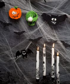Halloween Party Banner - These silly ghouls won't scare anybody on Halloween, but they will entertain you! The motifs are so easy to make, you won't be able to stop!