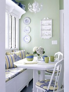 cute breakfast nook and banquette