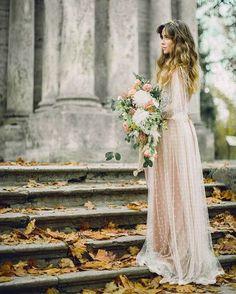Воздушное и изящное осеннее вдохновение от @events_fabrique #wi_bride #wi_fall #wi_bouquet #weddinginspiration #luxurywedding #royalwedding #свадебноевдохновение #идеидлясвадьбы #букетневесты #bridal #образневесты #bridal #bridestyle #instawedding #осенняясвадьба #помолвлена #married #marriage #fallwedding