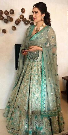 Best Trendy Outfits Part 21 Indian Gowns, Indian Attire, Indian Ethnic Wear, Indian Wedding Gowns, Lehenga Wedding, Indian Bridal Outfits, Indian Designer Outfits, Party Wear Dresses, Bridal Dresses