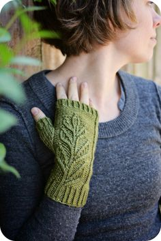 Never Not Knitting: Verdure - fingerless mittens