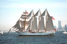 Esmeralda Buque escuela de la Armada de Chile