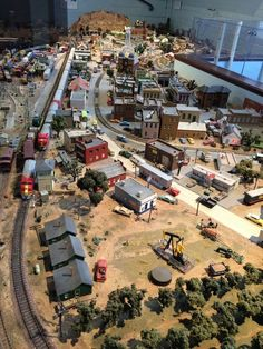 N Scale Train Layout, Model Train Layouts, N Scale Model Trains, Scale Models, Model Railway Track Plans, City Layout, Ho Trains, Train Pictures, Land Of Enchantment