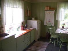 Bilderesultat for 50-talls kjøkken Kitchen Cabinets, Home Decor, Interior Design, Home Interior Design, Dressers, Home Decoration, Decoration Home, Kitchen Cupboards, Interior Decorating