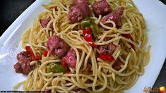 ESPAGUETIS CON SALCHICHAS FRESCAS Y VERDURAS - Oido Cocina!! Fresco, Nutella, Salsa Barbacoa, Curry, Spaghetti, Ethnic Recipes, Food, Al Dente, Sausage Spaghetti