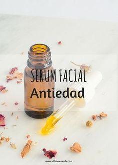Cómo hacer receta Serum Facial Antiedad Casero. Aprende a elaborar esta receta de cosmética natural con ingredientes antiarrugas.