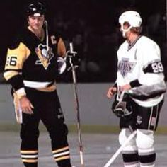 Lemieux & Gretzky - greatest hockey legends ever! Pittsburgh Sports, Pittsburgh Penguins Hockey, Mario Lemieux, Hockey Rules, Lets Go Pens, Hockey World, Hockey Season, Wayne Gretzky, Nhl News