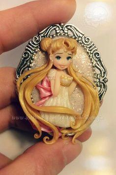 #sailormoon #serenity #princessserenity #principessaserenity #luna #moon #anime #manga #bunny #usagi #fimo #clay #necklace #lecreazionidifranzin