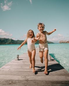 Straight from the beach! Cute Family, Baby Family, Family Goals, Family Kids, Cute Kids, Cute Babies, Baby Kids, Beach Babies, Baby Photos