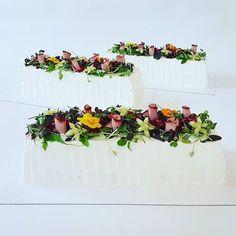 Salad Cake, Floral Wreath, Table Decorations, Instagram, Inspiration, Biblical Inspiration, Floral Crown, Inspirational, Dinner Table Decorations