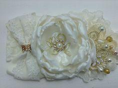 Tiara para bautizo combinación   perla-dorado VIDEO No. 364