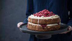 Raspberry Passionfruit Sponge Cake