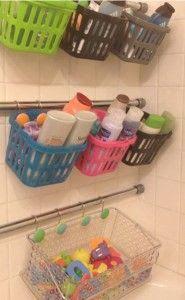 Aveces tenemos demasiadas cosas en espacios pequeños como lo es el baño, que terminan apiladas en todas partes y sin ningún orden.   Esto pu... (Dollar Store Camping Hacks)
