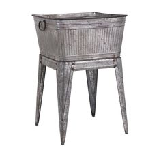 CC Outdoor Living Rustic Silver Galvanized Metal Outdoor Patio Garden Flower Planter Tub with Handles on Stand Wine Racks, Beverage Tub, Galvanized Tub, Galvanized Gutters, Metal Tub, Wash Tubs, Tractor Supplies, Home Living, Living Room
