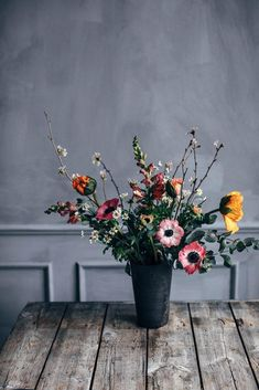 Wild flower bouquet with bright colors - flower inspo