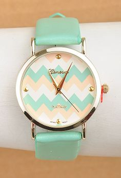 Perfect Timing Chevron Pattern Face Watch in Mint