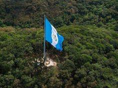Etiquetate y Comparte la foto LA BANDERA MÁS ALTA DE GUATEMALA, BRIGADA MARICAL ZABALA de la Ciudad de Guatemala, y sientete orgulloso de ser guatemalteco