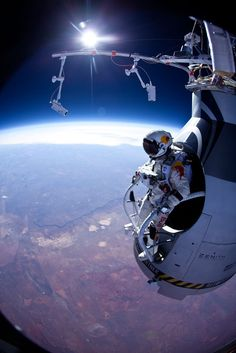 Baumgartner just before the first test jumps in 2012. Wow, that must be amazing!