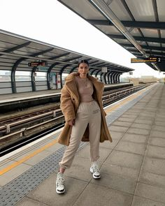Cute Comfy Outfits, Casual Fall Outfits, Winter Fashion Outfits, Look Fashion, Trendy Outfits, 70s Fashion, Casual Wear, Fashion Online, Girl Fashion
