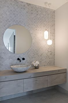 5 tips to create a Scandi style house - Zephyr + Stone - Scandinavian Design Trends - Have Best Home Decor ! Laundry In Bathroom, White Bathroom, Modern Bathroom, Small Bathroom, Bathroom Ideas, Glass Bathroom, Scandi Chic, Scandi Home, Scandi Style