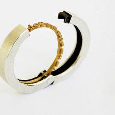 hidden_rings_male