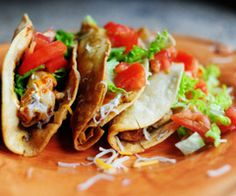 My Brother's Chicken Tacos. A total mess to make, and totally worth it. Have had tacos done like this before and they were great! Fried Chicken Taco, Chicken Tacos, Crispy Chicken, Grilled Chicken, Crispy Beef, Corn Chicken, Chicken Art, Chicken Spices, Mexican Chicken