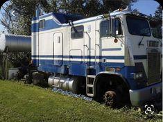 Vintage cars and trucks sad ideas Show Trucks, Big Rig Trucks, Dump Trucks, Old Trucks, Truck Flatbeds, Custom Big Rigs, Custom Trucks, Customised Trucks, Diesel Cars