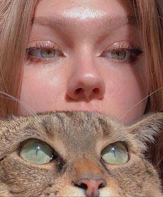 Aesthetic Eyes, Bad Girl Aesthetic, Pretty Eyes, Beautiful Eyes, Animal Tumblr, Foto Pose, Cute Baby Animals, Cute Cats, Cool Girl