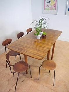 Large Mid-Century Walnut Extending Dining Table by Gimson and Slater for Heal's