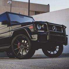 Mercedes check at them rims