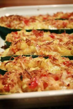 Zapiekana cukinia z serem Ham And Cheese, Zucchini, Pizza, Diet, Vegetables, Food, Cooking, Vegetable Recipes, Eten