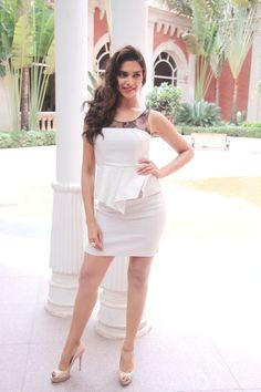 #sexy#outfit#deepika#padukone