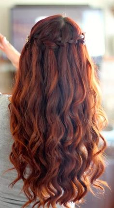 Alluring long red hair #hair #hairextensions #beauty #hairstyle #chicagohairextensionssalon