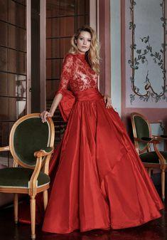 8019ed7289d0 L  Abito da Sposa di oggi è il modello 1816 della Collezione Stefano  Blandaleone.