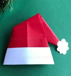 DIY Origami Santa hat - easy paper craft for kids Origami Hat, Origami Tree, Basic Origami, Origami Christmas Tree, Diy Origami, Christmas Hat, Origami Paper, Diy Paper, Paper Crafts For Kids