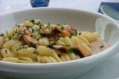 Pasta cozze e crema di fagioli