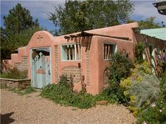 Pueblo revival houses in santa fe stucco walls adobe for Adobe style manufactured homes
