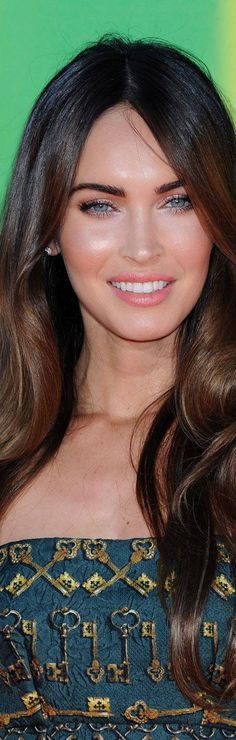 Megan Fox Nickelodeon Kids choice awards 2014 in Los Angeles SA. So in love with her makeup here *.*