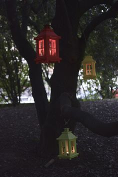Le lanterne di Amedeo sono in legno interamente realizzate a mano.