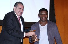 Repórter cinematográfico da TV Cidade, recebe prêmio em Brasília