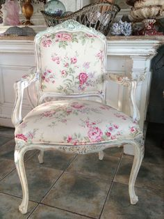 PR BEACH CHIC ROSES CHAIRS,,SOLD
