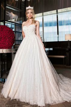 Majestic Ball Gowns Fit for a Princess at a Winter Wedding - Creative and Fun Wedding Ideas Made Simple When I Get Married, I Got Married, Formal Dresses, Wedding Dresses, Bridal Style, One Shoulder Wedding Dress, Marie, Ball Gowns, Princess