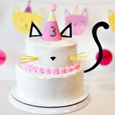 Modern kitty cat birthday cake with free printable cake toppers and tail! Cute for a kitty cat birthday party and easy to make. Cat Themed Parties, 6th Birthday Parties, Kitty Party Themes, Birthday Ideas, Birthday Cake For Cat, Girl Birthday, Happy Birthday, Ballerina Birthday, Fete Emma