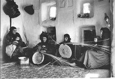 Yemeni ladies old handcrafts