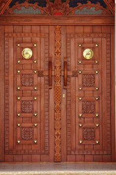 Wooden door in Algeria. Photo by Hedia Hedioucha on Wooden Front Door Design, Main Entrance Door Design, Double Door Design, Door Gate Design, Wooden Doors, Wooden Double Doors, Door Design Images, House Design Pictures, Latest Door Designs