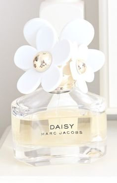 daisy grangrances for her by marc jacobs