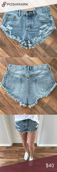 "🔁LAST2 • Distressed Denim Shorts If you love ""One Teaspoon Bandit"" shorts, but not the price... then you will LOVE these. Exceptional quality, same exact fit, frayed hemline, functioning pockets & a 4 button closure. Available in Black, Brownish Olive & Distressed denim.   Modeling: M ( 120lb, 5'4"", 25/26 in jeans ) S: 14"" waist up to 17"" hips 24/25 M: 14.5"" - 18"" 25/26 L: 15"" - 19"" 26/27 Fabric: 100% cotton    • Please use the ""Buy Now"" or ""Add To Bundle"" feature to purchase directly •…"