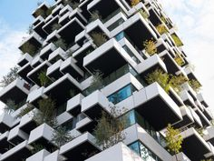 The housing block is 70 metres tall and surrounded with staggered, protruding balconies that support over 10,000 plants. Vertical Forest, Social Housing, Eindhoven, Dezeen, Tower, Multi Story Building, Amazing Architecture, Contemporary Architecture, Plants