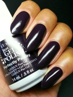 Гель-лак Ibd Just Gel Polish Perfectly Paisley - темный насыщенно-прупурный оттенок